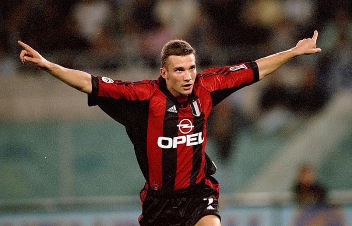 Shevchenko con la maglia del Milan